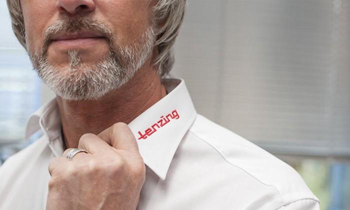 Mitarbeiter mit tenzing Hemd