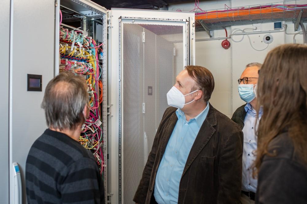 LAN und WLAN Westkuestenkliniken Serverraum
